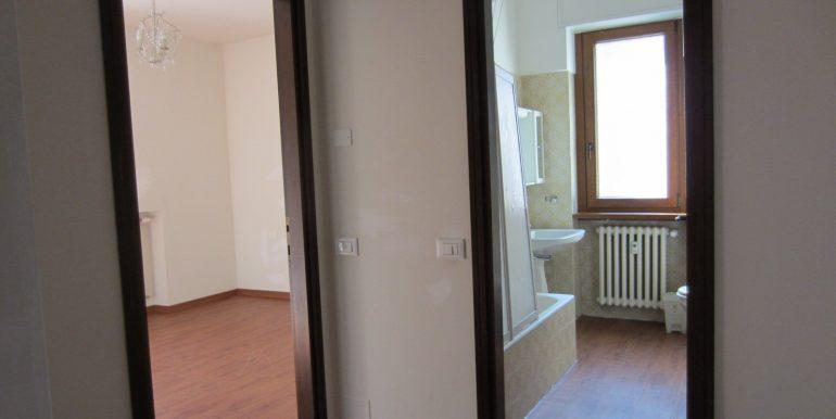 Appartamento Como con terrazzo (14)