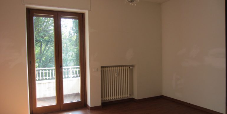 Appartamento Como con terrazzo (15)