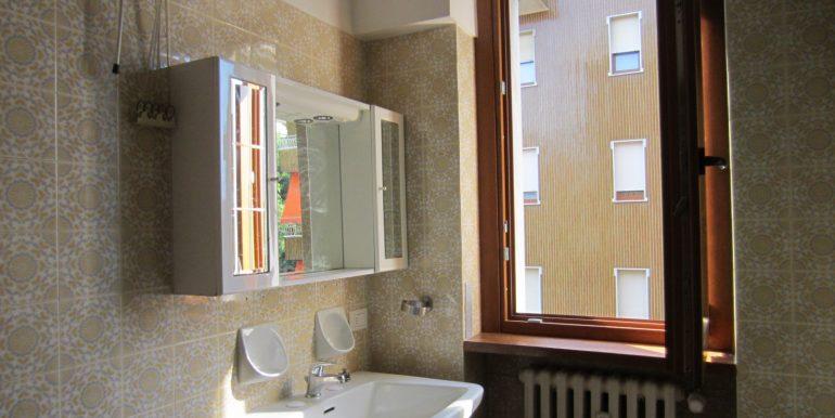 Appartamento Como con terrazzo (17)