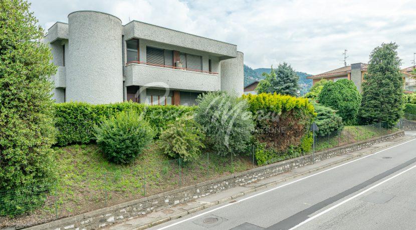 Villa bifamiliare con giardino Como (104)