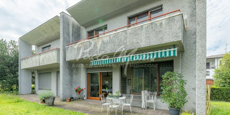 Villa bifamiliare con giardino Como (105)