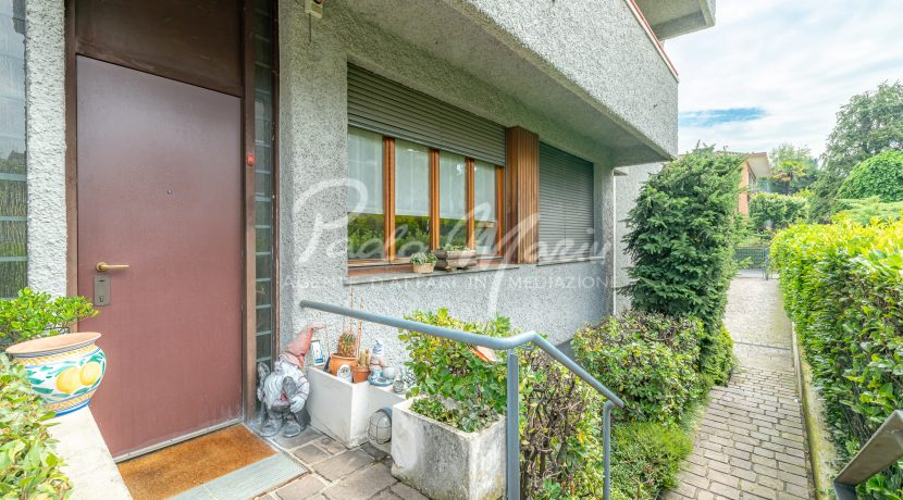 Villa bifamiliare con giardino Como (107)