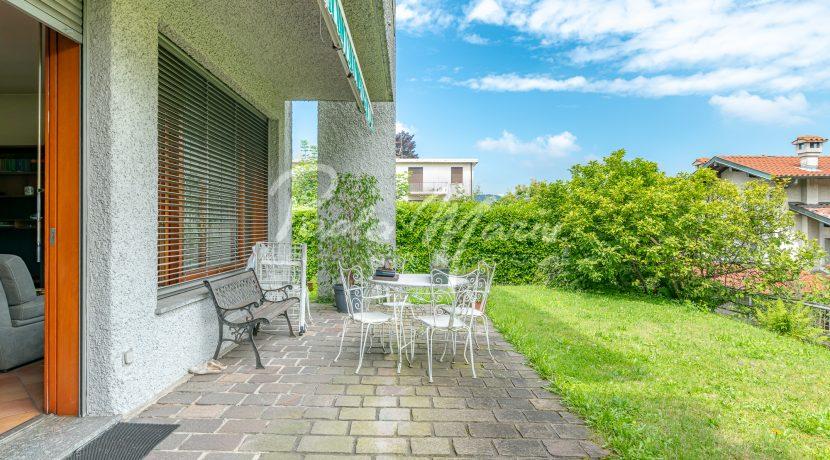 Villa bifamiliare con giardino Como (108)