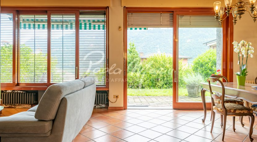 Villa bifamiliare con giardino Como (115)