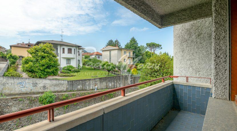 Villa bifamiliare con giardino Como (136)