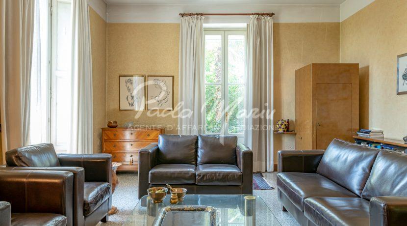 Villa d'epoca con giardino depandance Erba Como (149)