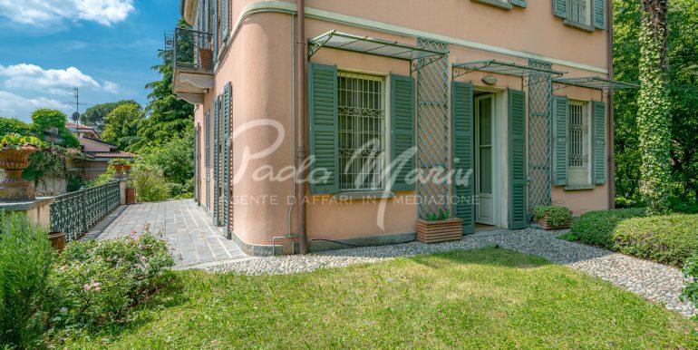 Villa d'epoca con giardino depandance Erba Como (2)