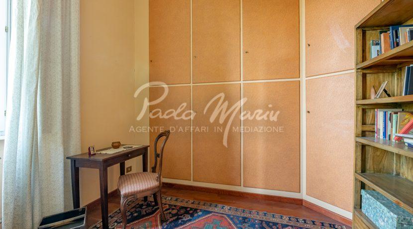 Villa d'epoca con giardino depandance Erba Como (24)