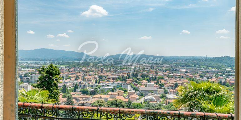 Villa d'epoca con giardino depandance Erba Como (39)