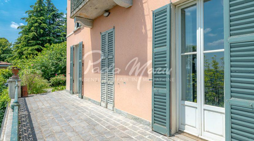 Villa d'epoca con giardino depandance Erba Como (4)