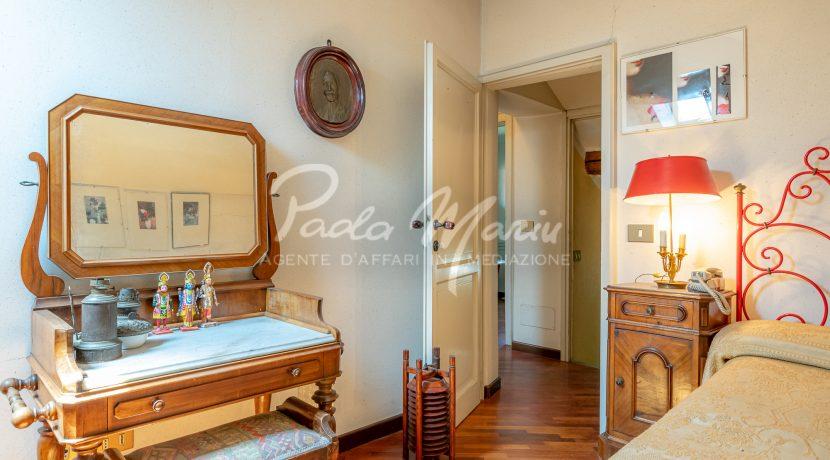 Villa d'epoca con giardino depandance Erba Como (46)