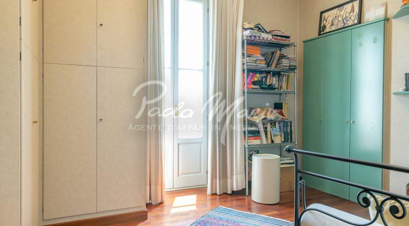 Villa d'epoca con giardino depandance Erba Como (54)