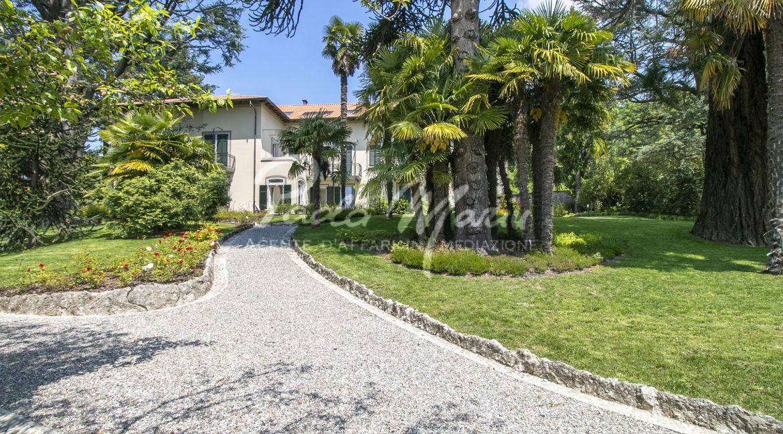 Esterni villa Capiago Como (4)